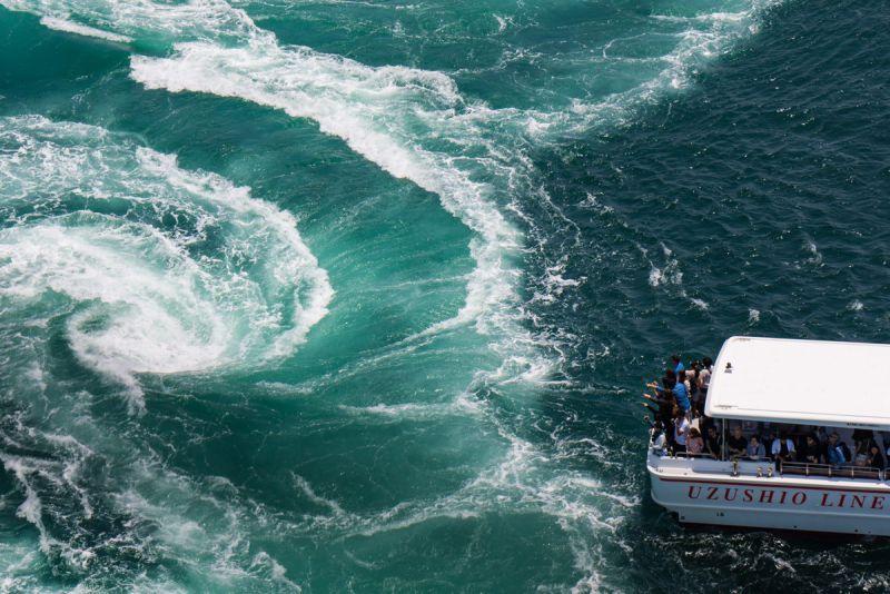 世界最大級!船からみえる直径約20mの鳴門の渦潮! | C to Sea ...